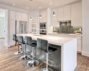 Modern Kitchen by Superior Cabinets