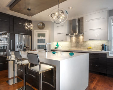 Grond Kitchen cabinets by Superior Cabinets