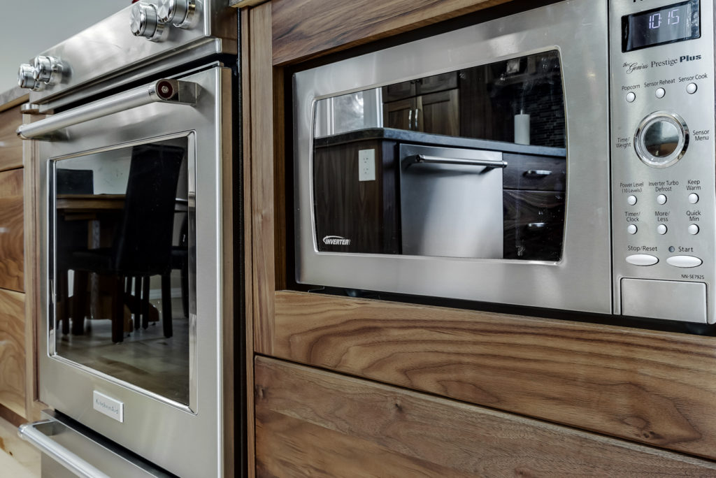 Medium Terra Kitchen cabinets by Superior Cabinets