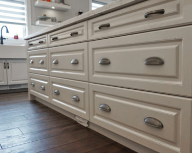 Laurent superior cabinets for Kitchen cabinets regina