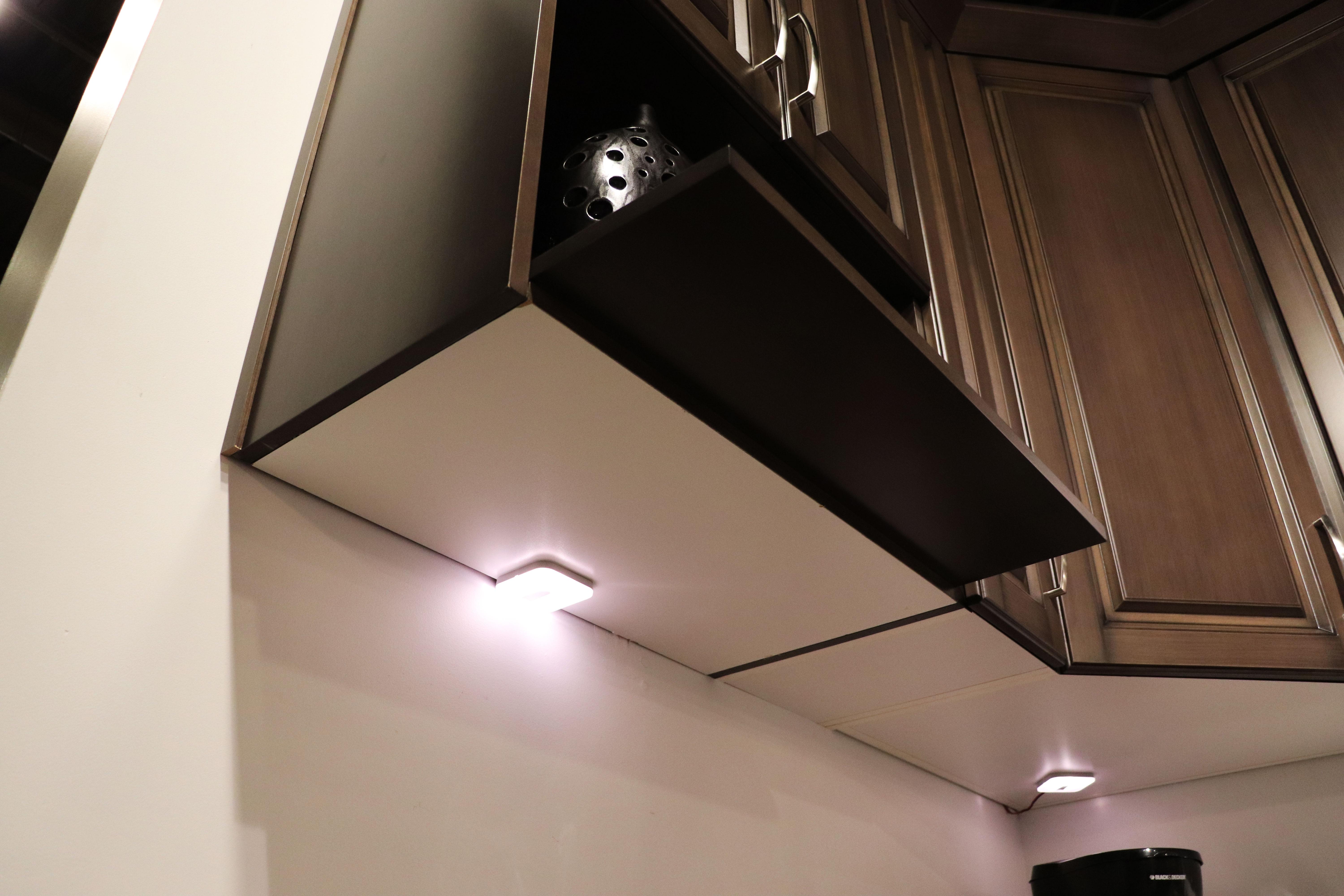Under cabinet lighting concealment options superior cabinets some opt to have the lighting fixture exposed and forfeit the light valance for a more streamline look of course youll want to choose a sleeker lighting arubaitofo Image collections